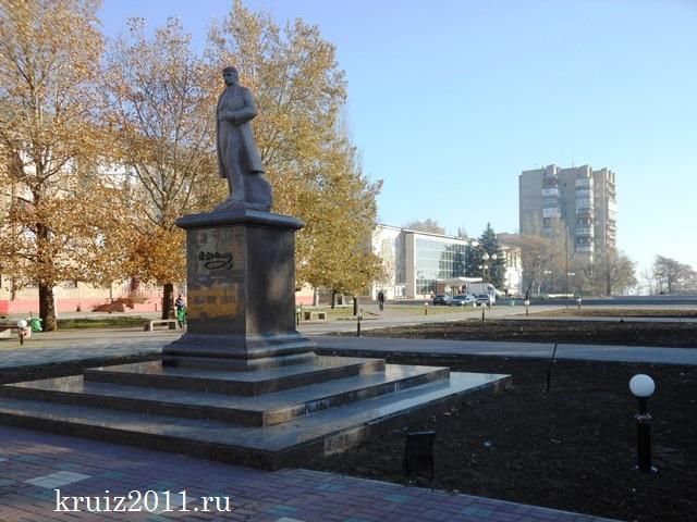 Украина. Мелитополь. Памятник Т. Шевченко