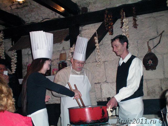 Венгрия. Ресторан Катакомбы.